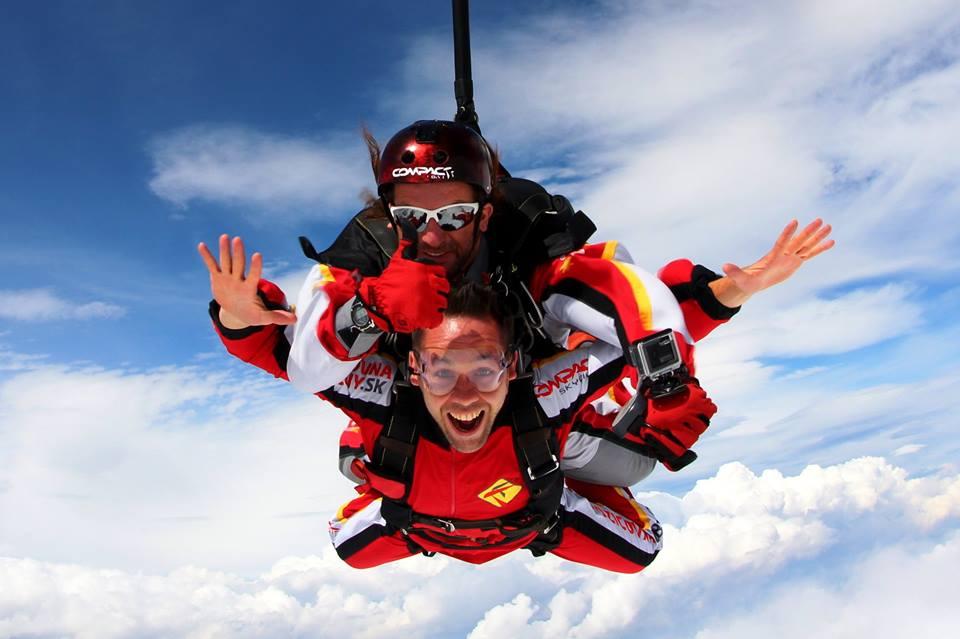 Tandemové zoskoky z lietadla